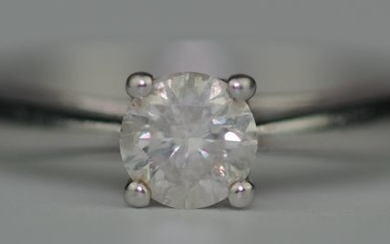 Diamond Solitaire (0.50ct) - 9K White gold - Ring