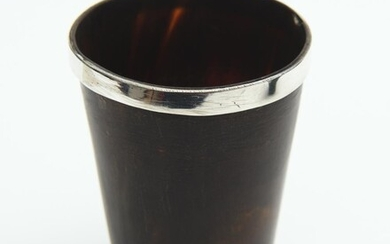 A STERLING SILVER MOUNTED HORN BEAKER WITH GLASS BASE, LEONARD JOEL LOCAL DELIVERY SIZE: SMALL