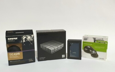A collection of music equipment, to include an Astell & Kern...