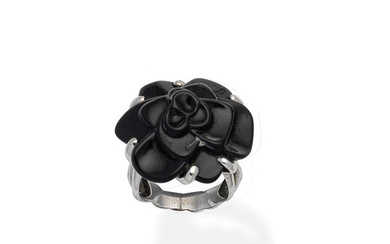 An onyx 'Camélia' dress ring