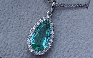 Excellent Quality Pear Shape Natural Emerald - 14 kt. White gold - Necklace with pendant - 1.60 ct Emerald - Diamonds