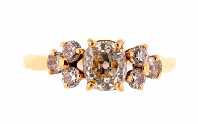 Gold ring centered with a diamond of about 0.80 carat and six diamonds - Gross weight: 3 g