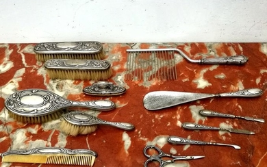Important toilet set (12) - .800 silver - Italy - Early 20th century