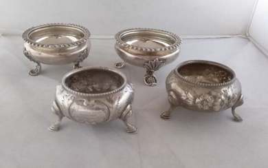Salt cellar, 4 Victorian Sterling Silver Salt Cellars (4) - .925 silver - Barnard Brothers and Augustus George Piesse - London - England - 1842-1861-1864