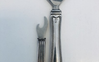 "Sigvard Bernadotte, Harald Nielsen: ""Bernadotte"" and ""Old Danish"", two bottle opener of sterling silver. Georg Jensen 1933–44 and after 1945. L. 8–15 cm. (2)"