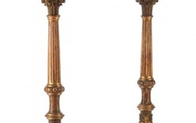 61014: A Pair of Italian Neoclassical Carved Giltwood F
