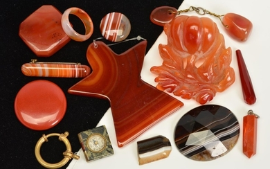 A SELECTION OF AGATE PIECES, to include two small agate pane...