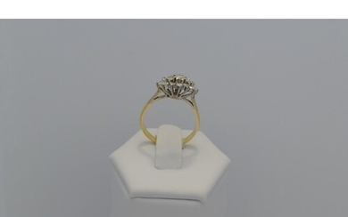 A yellow gold shank ring with diamond. Diamond approx. 1ct. ...