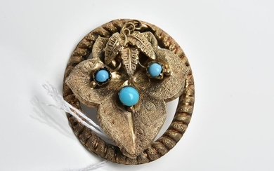 AN ANTIQUE TURQUOISE BROOCH IN 15CT GOLD