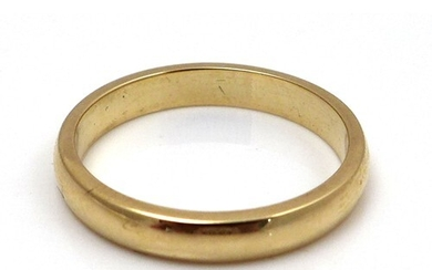 An 18ct yellow gold wedding band, maker LW, size M/N, 3.6g, ...