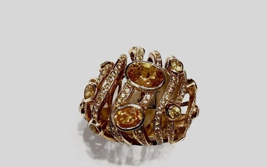 Gold citrine and diamon ring