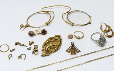 LOT of yellow gold debris including lorgnette frame (remains a glass), pair of sleepers, little finger ring, chain debris etc...metal pin pin. Gross weight 32,1 g