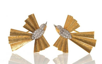 PAIR OF GOLD AND DIAMOND BIRD CLIPS, 17g