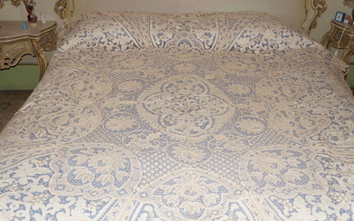 Burano bedspread and carving - 278 x 244 cm - Linen, Silk - 20th century