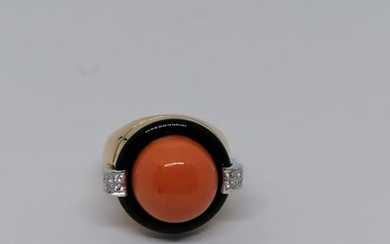Coral and Onyx gold ring