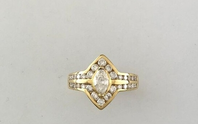 Ring in 750°/°° gold set with a shuttle diamond in a diamond setting, Finger size 54, Gross weight: 4,08g