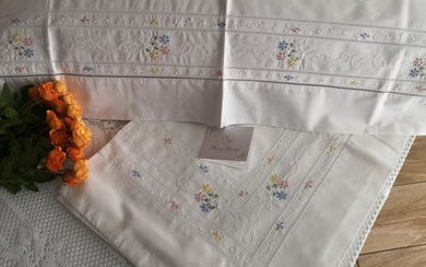 Very rich sheet in very pure percale cotton with full stitch embroidery by hand - Cotton - AFTER 2000