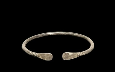 Viking Silver Bracelet with Trapezoidal Terminals