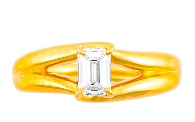 """""""0.476 CT DIAMOND GOLD RING""""ring size : 8, 6.0 g color : E clarity : VVS-2"""