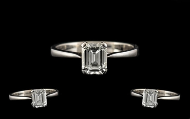 14ct White Gold - Excellent Quality Contemporary Designed Si...