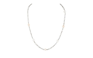 A CULTURED PEARL NECKLACE, strung with pink toned pearls, 18...