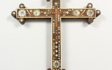 A LATE 19TH CENTURY ITALIAN CRUCIFIX, with