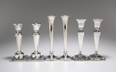 A PAIR OF GEORGE V SILVER CANDLESTICKS, by E J