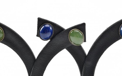 A PAIR OF JADEITE STUD EARRINGS AND A PAIR OF LAPIS LAZULI STUD EARRINGS, EACH IN 9CT GOLD, DIMENSIONS 10.5 X 8.5 MM APPROXIMATELY