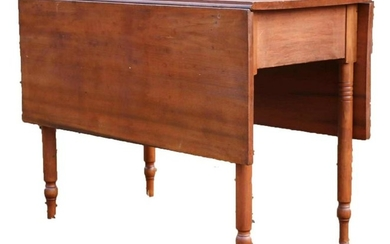 AMERICAN ANTIQUE TURNED LEG DROP LEAF TABLE