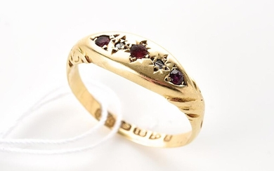 AN ANTIQUE RUBY AND DIAMOND RING IN 18CT GOLD, HALLMARKED CHESTER 1905, RING SIZE K, 1.5GMS