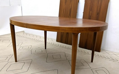 Danish Modern Teak MOREDDI Oval Dining Table. Stylish t
