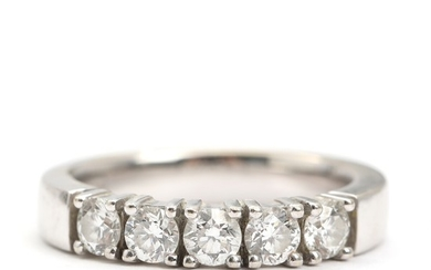 Diamond eternity ring set with five brilliant-cut diamonds totalling app. 1.00 ct., mounted in 14k white gold. Size 57. Weight app. 7.5 g.