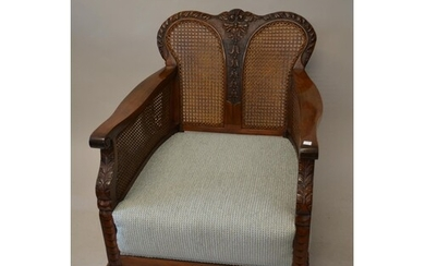 Early to mid 20th Century walnut three piece bergere suite, ...