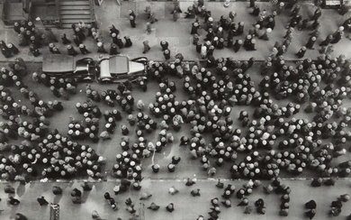 Margaret Bourke-White, Looking Down on West 36th Street in the Garment Center, New York City