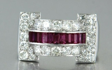 Platina Art Deco ring with diamonds and ruby