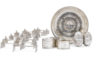 A GROUP OF TWELVE SILVER KNIFE RESTS, THREE BOXES, A NAPKIN RING AND A NIELLO TRAY, VARIOUS MAKERS, RUSSIA, SECOND HALF 19TH / EARLY 20TH CENTURY