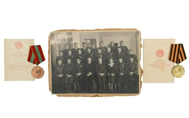 A LOT OF TWO RUSSIAN SOVIET MEDALS AND PHOTO
