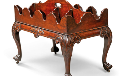 AN IRISH GEORGE II MAHOGANY DECANTER STAND