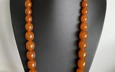 Amazing Vintage Amber Necklace made from Oval shaped