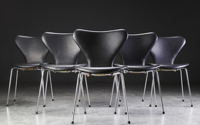 Arne Jacobsen. Six 'Series 7' chairs, model 3107, black leather (6)
