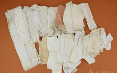 LOT OF ANTIQUE/VINTAGE CLOTHING.