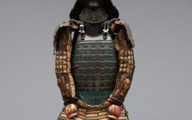 Yoroi - lacquered metal and misc. - Momoyama period suit-of-armor with an early Edo period zunari kabuton:- Japan - approx. 400 years old - Momoyama - early Edo period