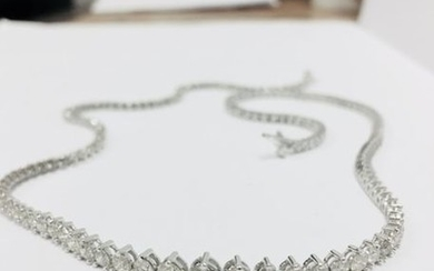 6.50ct Diamond tennis style necklace. 3 claw setting....