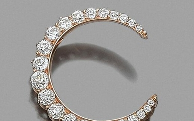 """9-carat yellow gold (375‰) """"moon"""" brooch, paved with old-fashioned falling diamonds."""