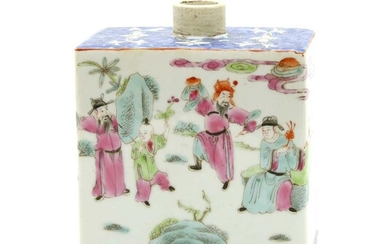 A Chinese porcelain tea canister