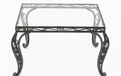 A DECORATIVE FRENCH WROUGHT IRON COFFEE TABLE WITH A GLAZED INSET TOP, 47CM H X 76CM L X 56CM D