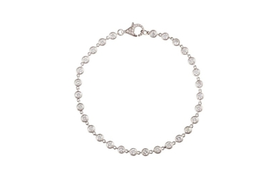 A DIAMOND LINE BRACELET, with diamonds of approx 4.10ct, mou...