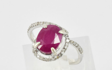 A RUBY SET RING