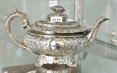 A STERLING SILVER TEA POT (665 GRAMS) evidence of repairs to base, missing pins to handle
