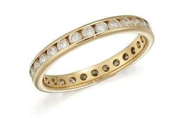 AN 18 CARAT GOLD DIAMOND ETERNITY RING, the full hoop
